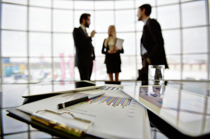 Booster la productivité en réunion avec les dispositifs interactifs